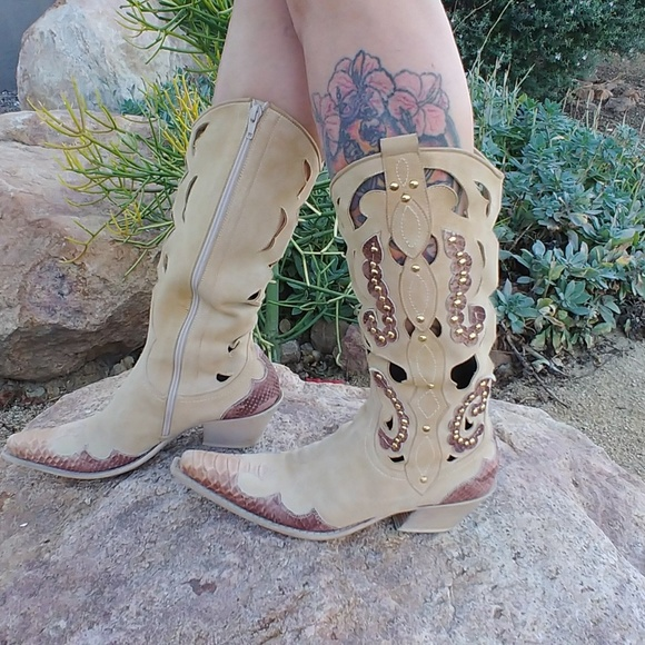 29b4b39e0d2 Bata brand Italian made suede western cowgirls 38
